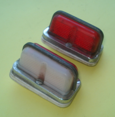 Side light set, metal, red/white glass, Ape ?