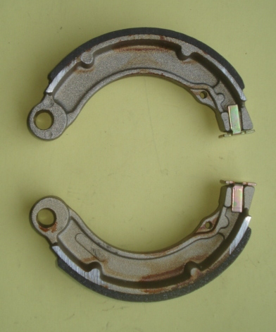 Brake shoes AZ 136