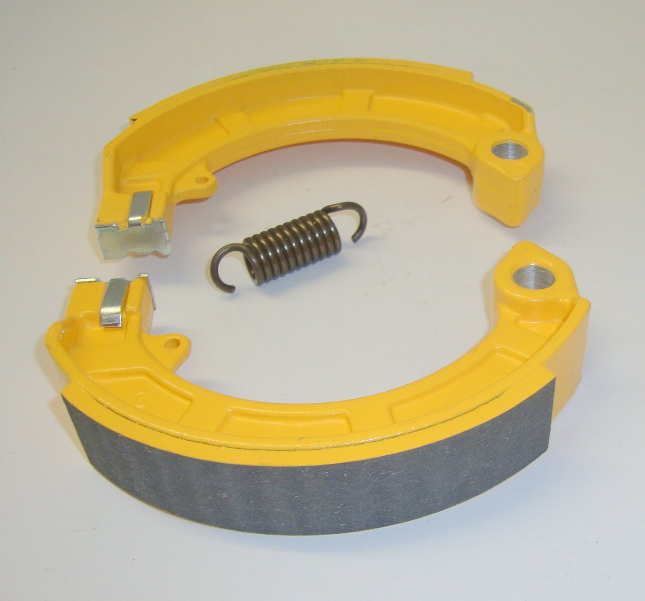 Brake shoes, MALOSSI, Vespa / Ape, like AZ 133