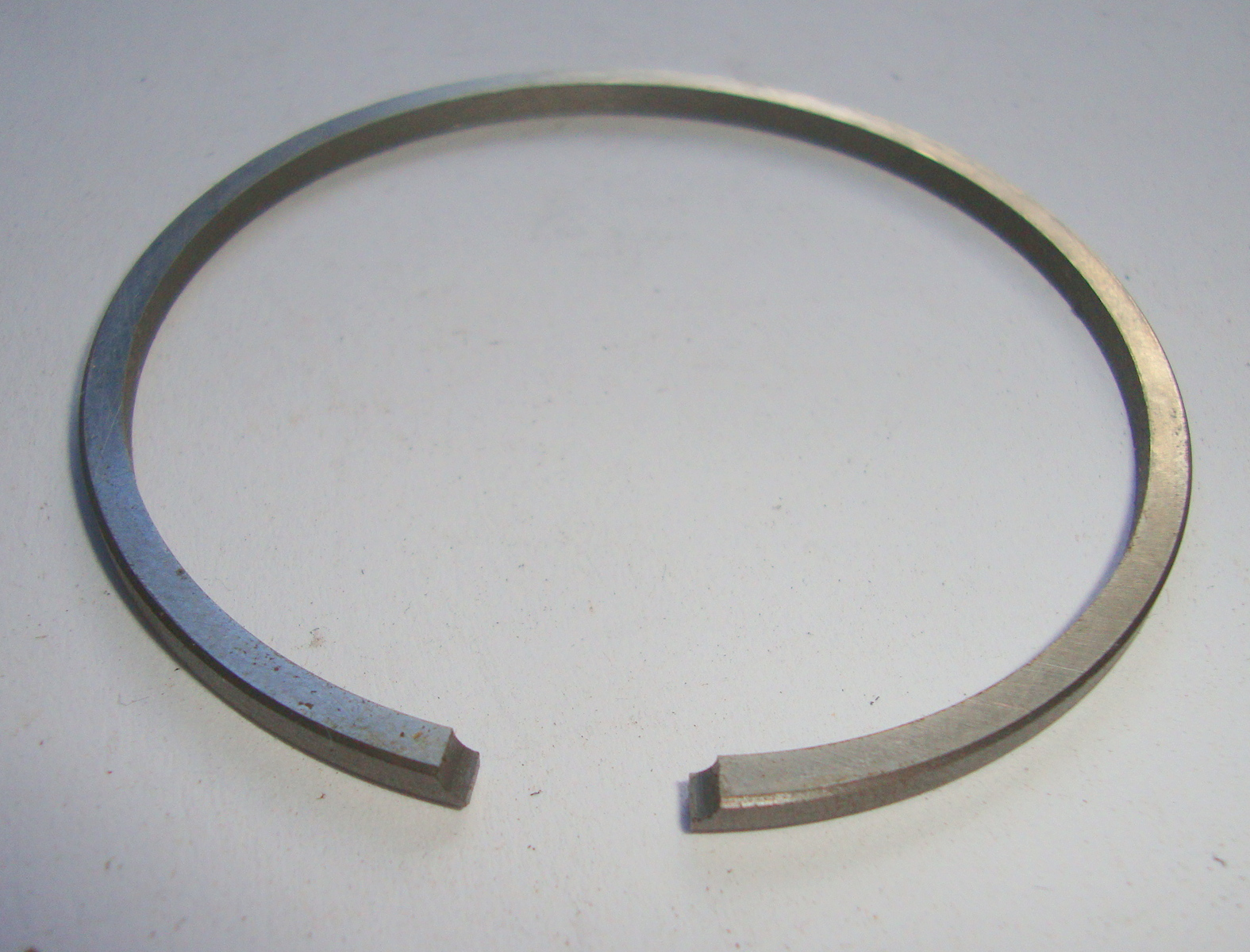 Piston ring 47,0 x 2,0 FL