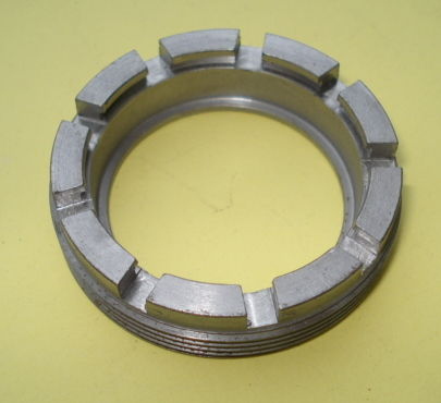 Nut for rear wheel axle bearing, Vespa 125 / 150