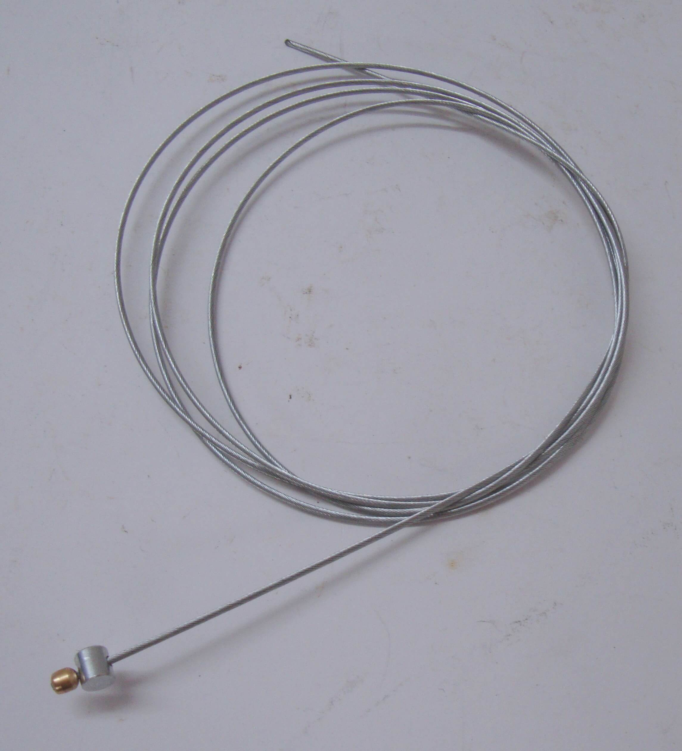 Cable for clutch control transmission, long, rotatably nipple