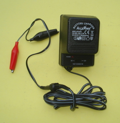 Charger for dry battery 6V / 12 V