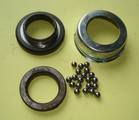 Lower bearing ball track, Ape TL1 / TL2 / TL3 / TM1, NOS