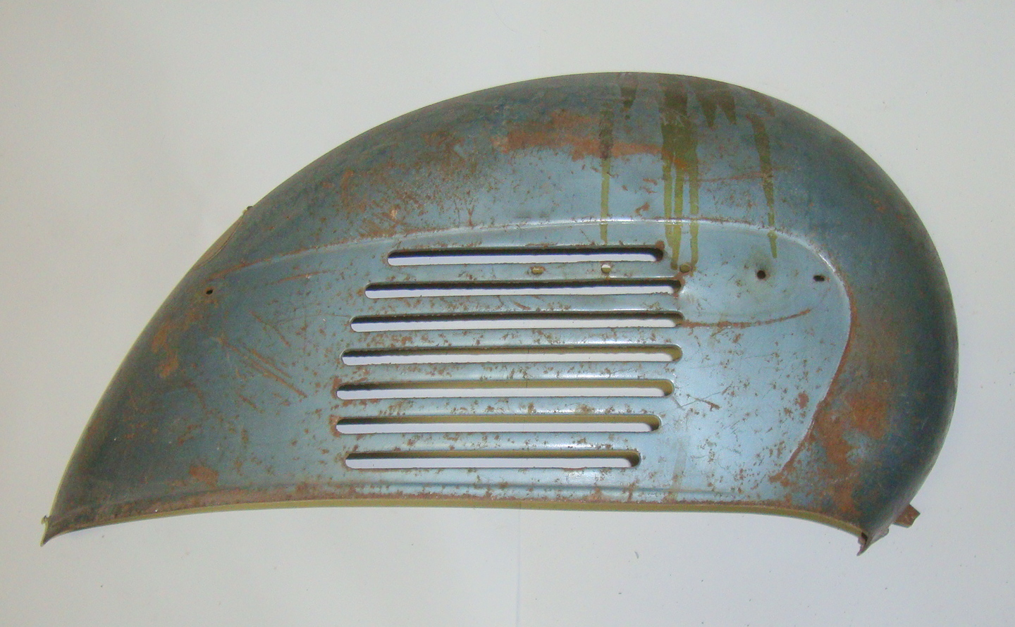 Engine cowl, Vespa 125 VNA / VNB German model with lateral turn lights,  used