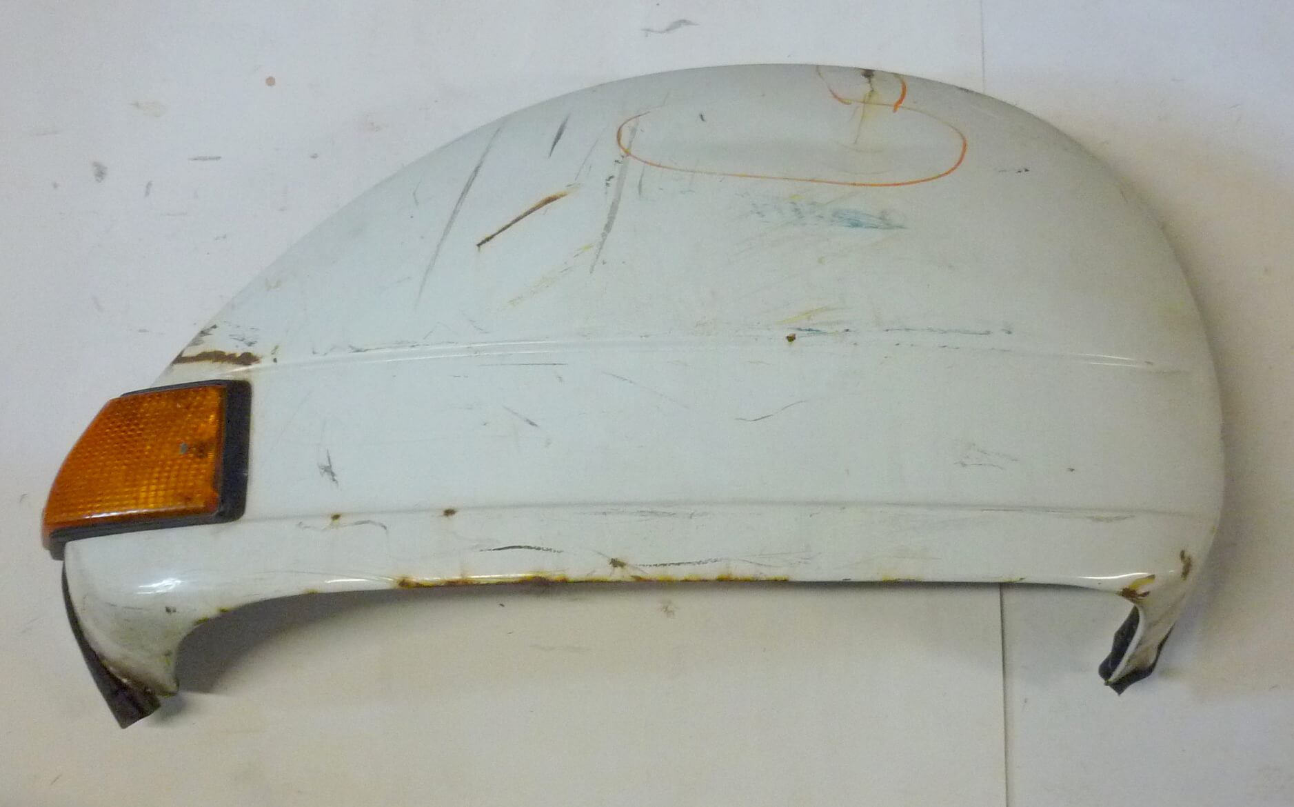 Engine cowl, internal mechanism, white, Vespa PX, used