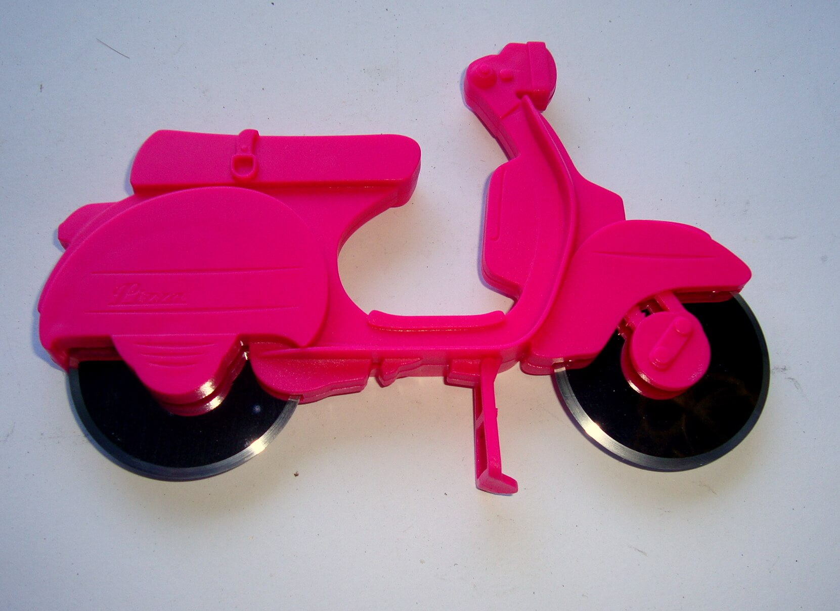 Pizza cutter scooter, pink