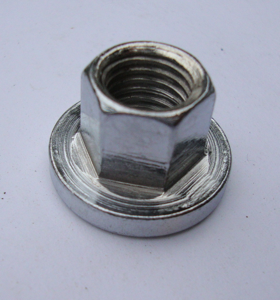 Nut for flywheel, chromed, Vespa 125 / 150 /Ape