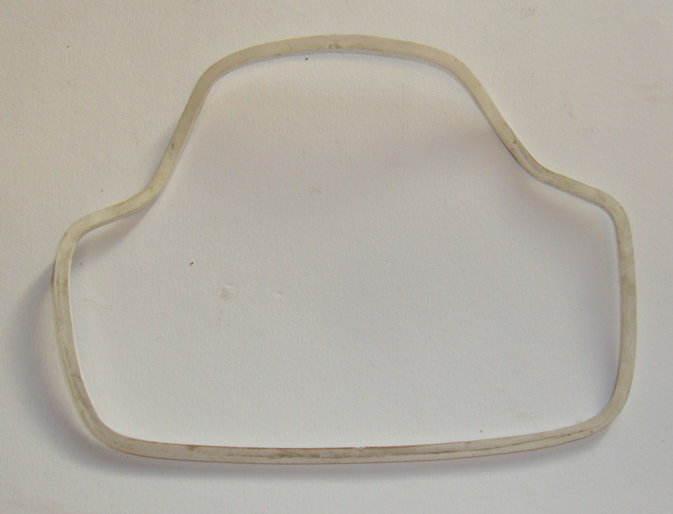 Gasket between glas and body, Vespa 125 / 150 / 180 SS