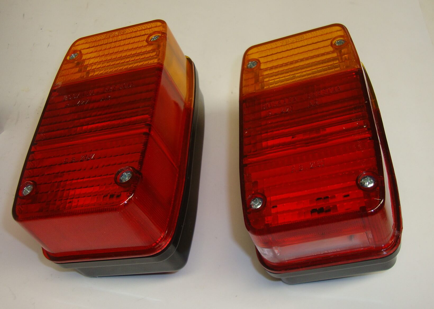 Taillights, Ape 400 / P 401 - 501 - 601 - 601V / MP 500 - 600 / MPV 600 / Ape Car P2