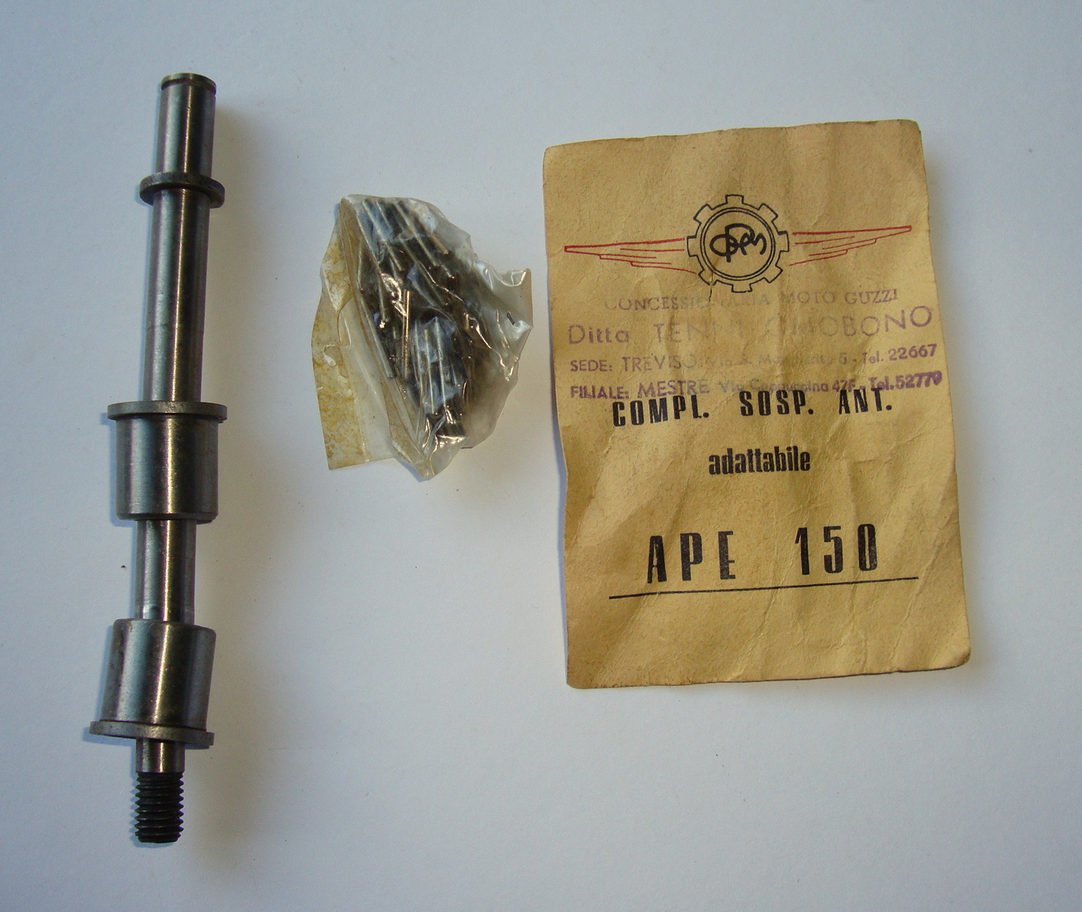 Motion link bolt whit bearings,  Ape 150, NOS