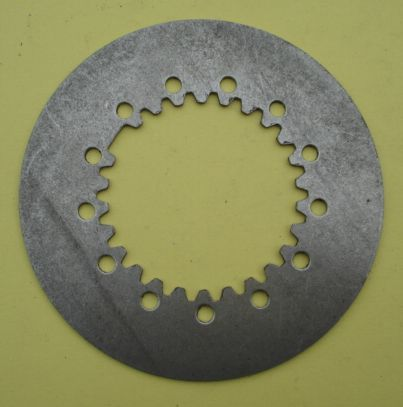 Driven clutch plates