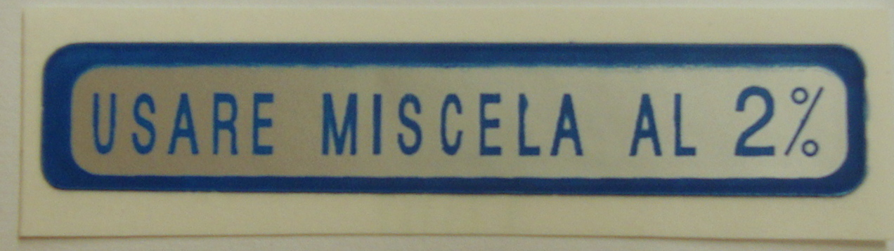 "Sticker for fuel tank "" USARE MISCELA AL 2%"", blue"