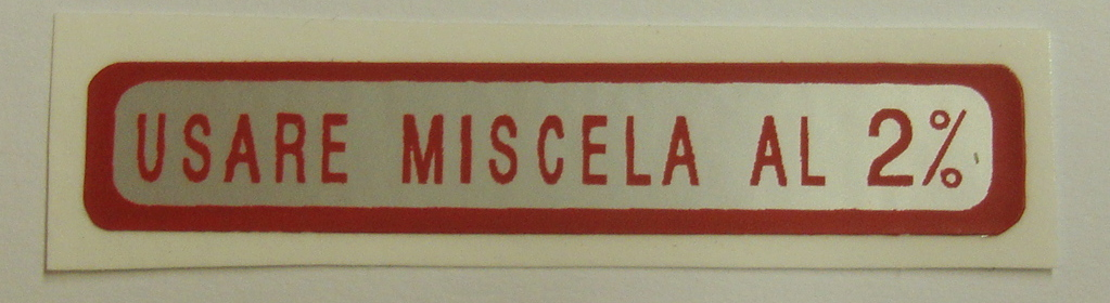 "Sticker for fuel tank "" USARE MISCELA AL 2%"", red"