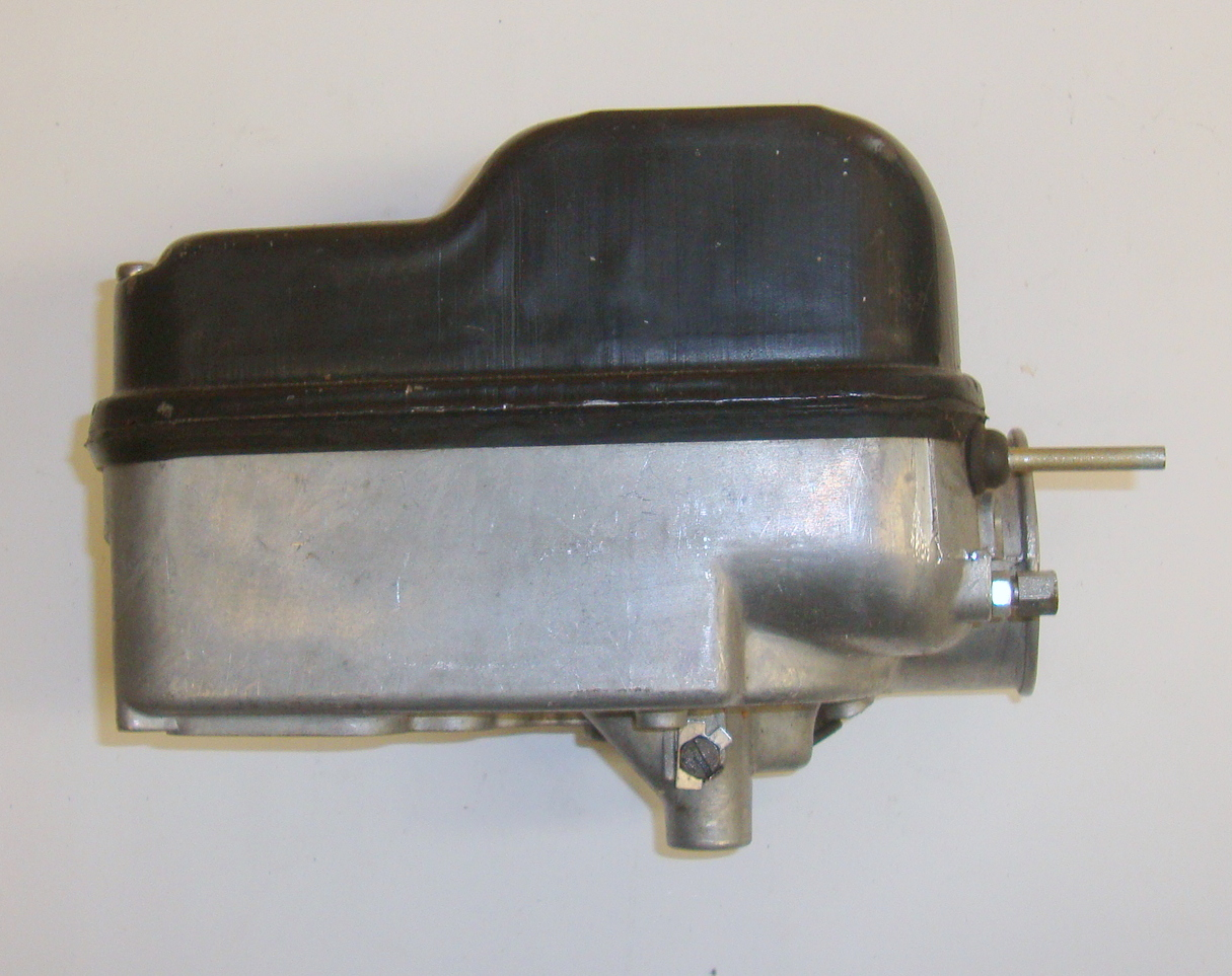 Carburettor casing with oil pump + carburettor casing cap , Vespa PX Lusso