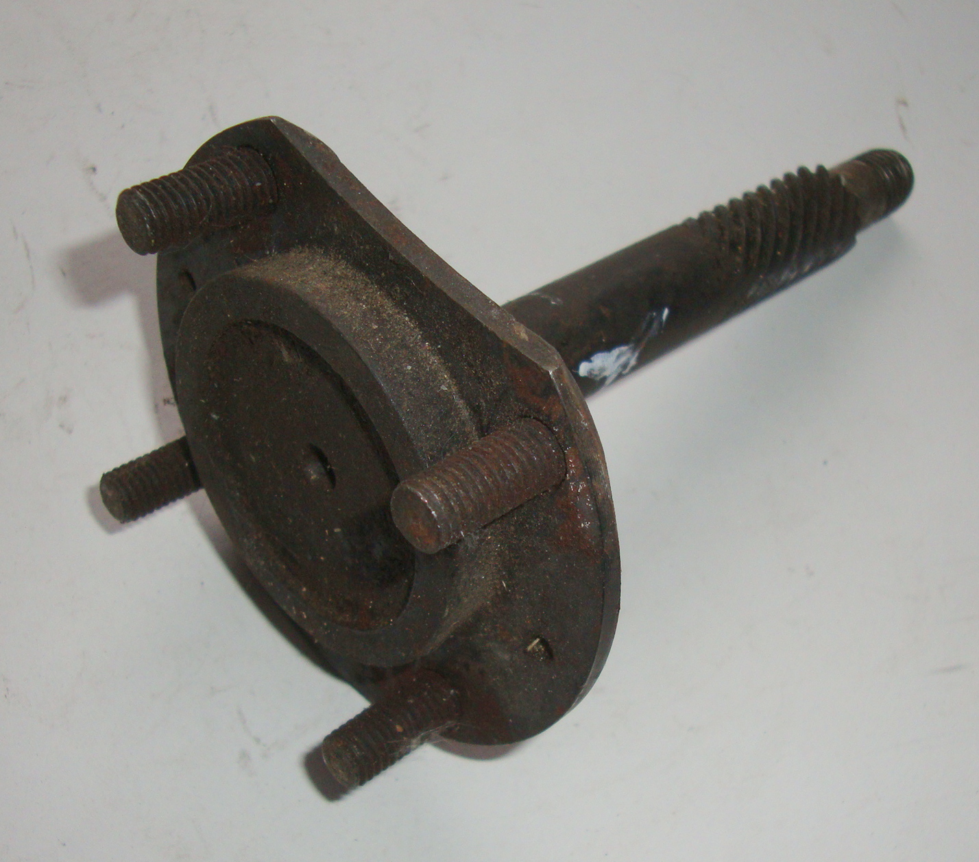 Front wheel axle, Vespa 125 / 150, NOS