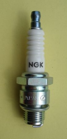 Spark plug, short tread