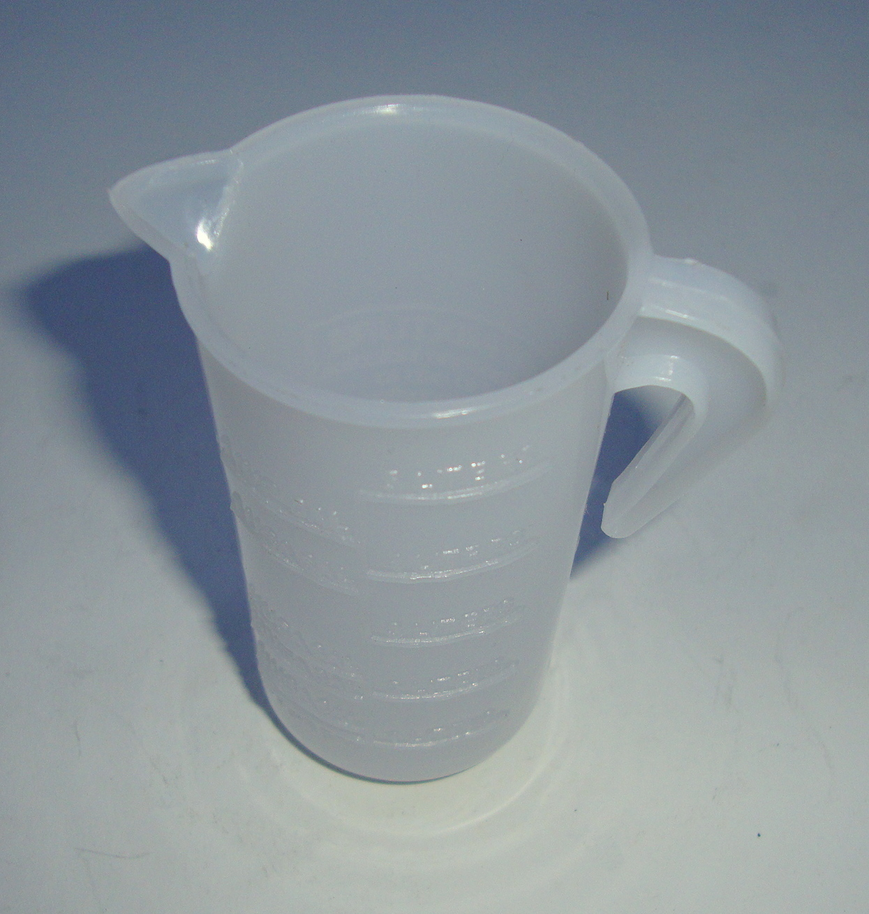 Measuring Cup for2 stroke oil, 100 ml