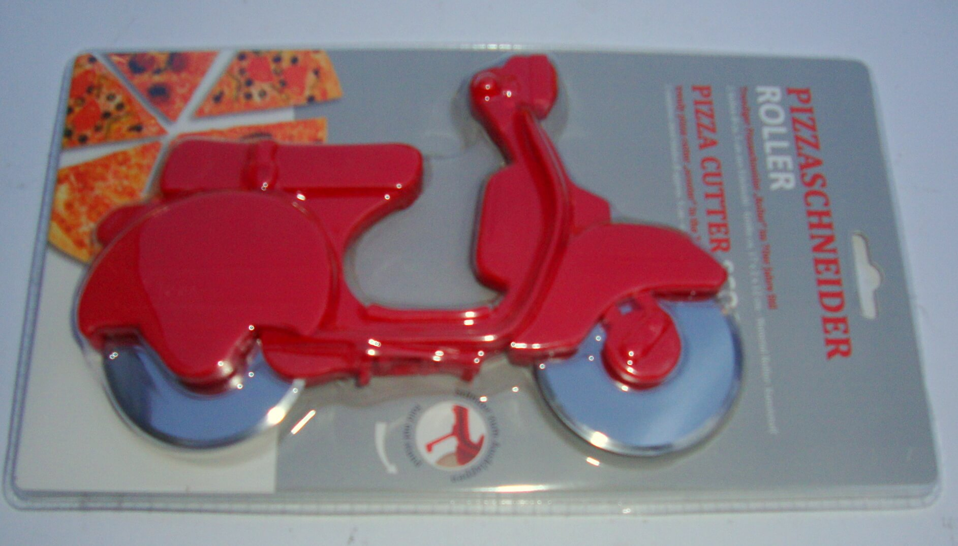 Pizza cutter scooter, red