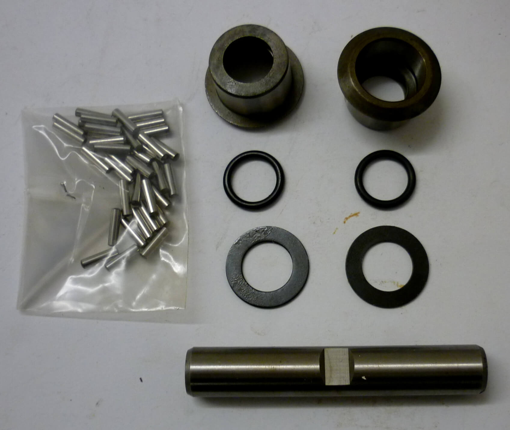 Motion link bolt whit bearings, Vespa GS 160 / SS 180